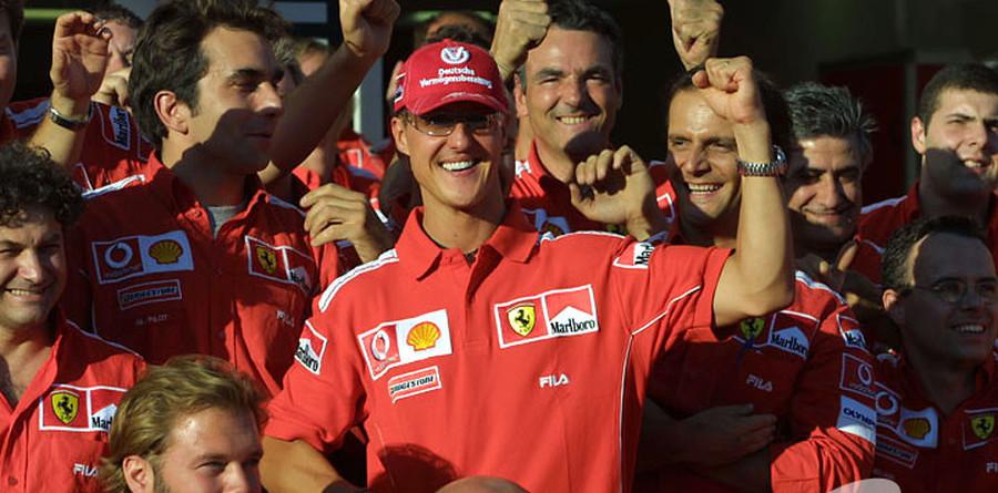 Schumacher salutes Maranello