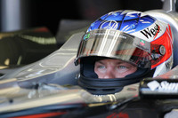 McLaren continues to set testing pace