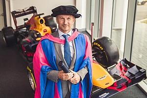 Формула 1 Новость Хорнер получил докторскую степень