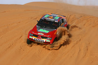 Peterhansel keeps lead on tragic day in Dakar