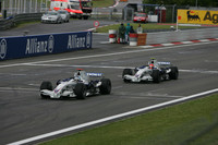 BMW confirms Heidfeld and Kubica for 2008