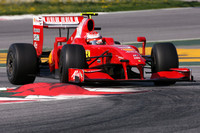 Raikkonen tops in Spain, Hamilton plays the Palace
