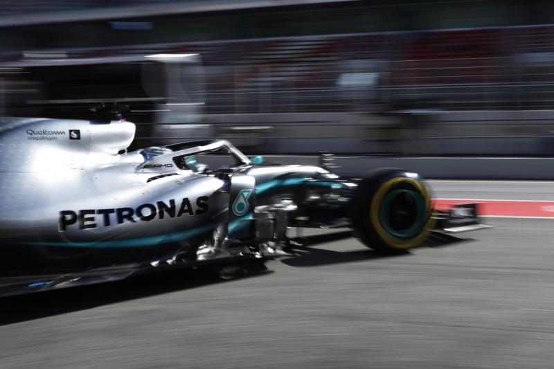 Mercedes' Reifensorgen: Graining macht