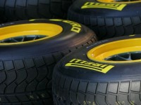 De la Rosa laments rain for Pirelli test
