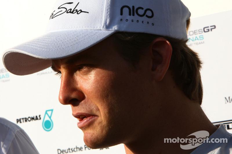 Rosberg eyeing Ferrari switch - source