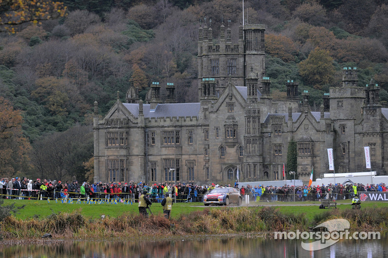 737 record holder Richard Parks to attend Wales shakedown