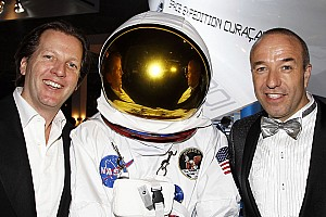WTCC Tom Coronel to travel into space in 2014
