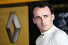 Kubica back in hospital with fractured leg after fall