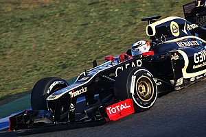 Formula 1 Lotus' new driver Raikkonen tops day one in Jerez pre-season test