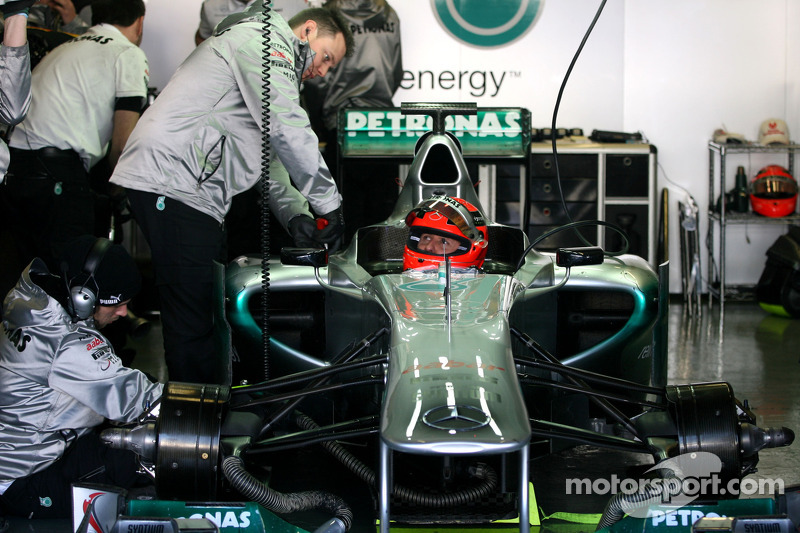 Schumacher to be first to test new Mercedes