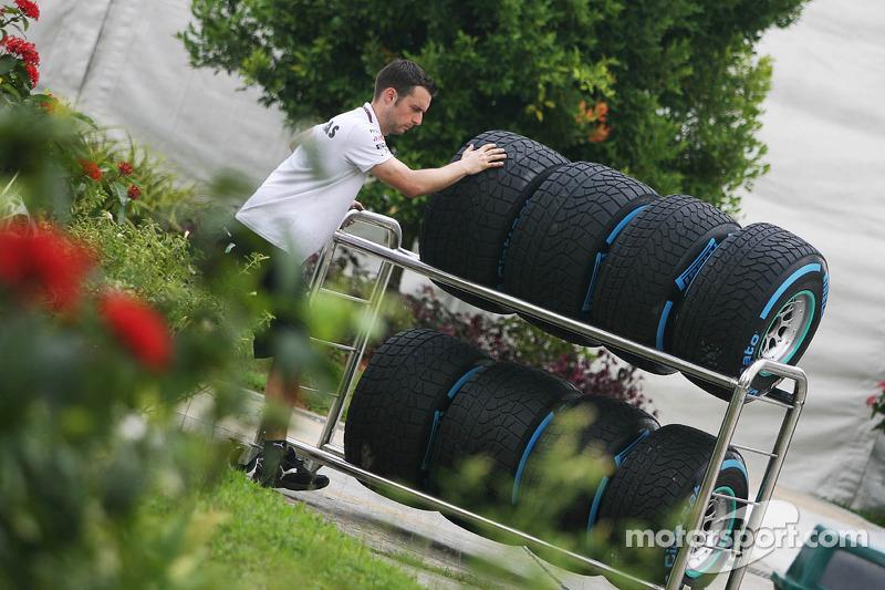 Pirelli eyes Alguersuari, Trulli for test role