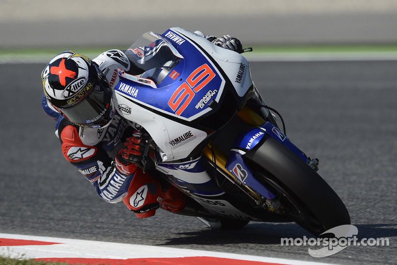 Lorenzo claims Catalunya Grand Prix for Yamaha