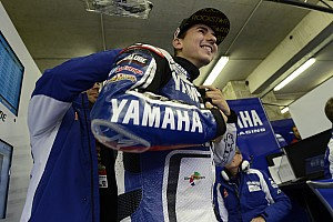 MotoGP Lorenzo will continue to ride for Yamaha with extended contract