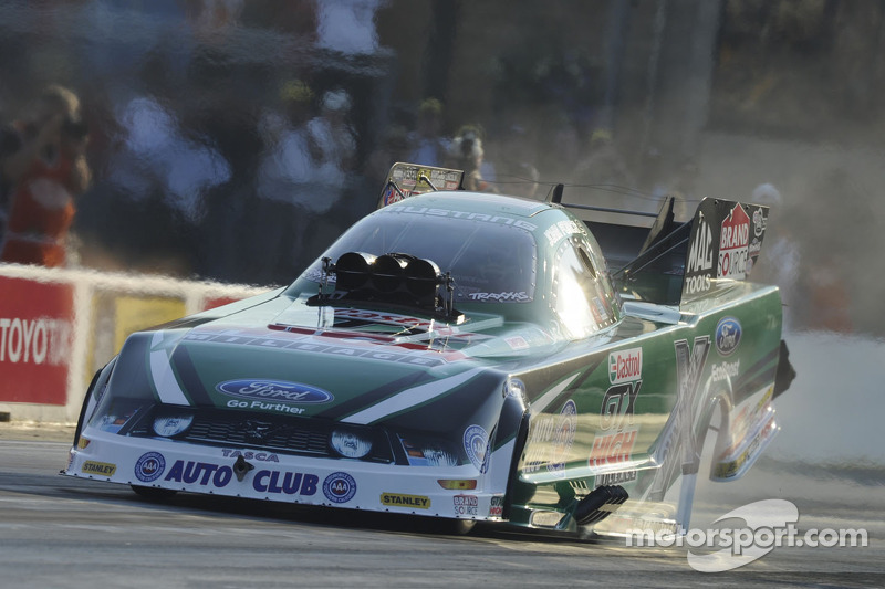 John Force looks to turn 2012 Funny Car season around at Denver