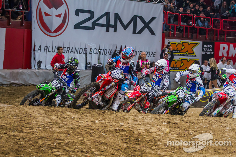 Supercross school opens with lesson one - video
