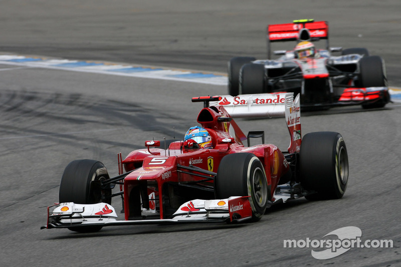 McLaren duo admits 'urgent' Alonso chase