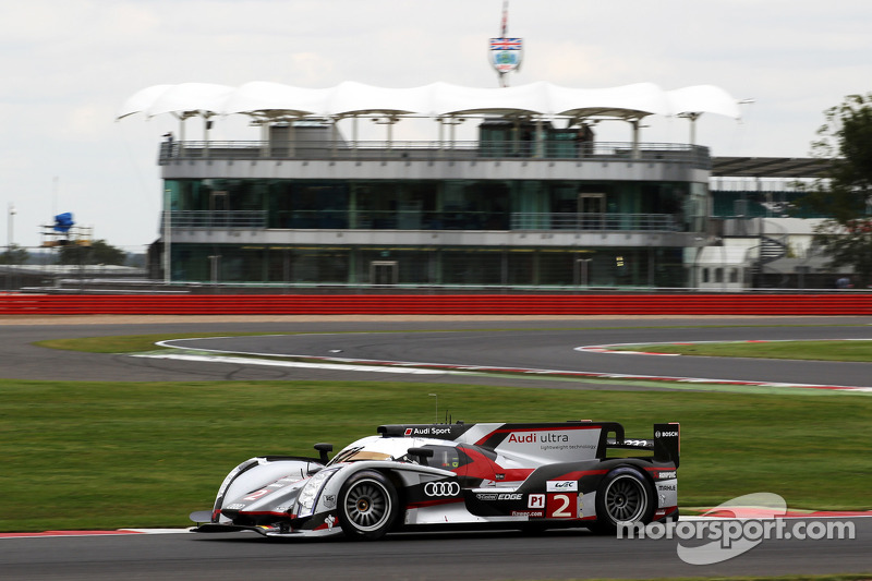 Audi maintains momentum at Silverstone in Friday practices