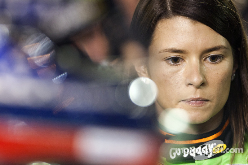 Danica Patrick does not fear the concrete of Dover