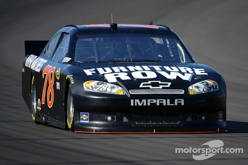 Smith hangs tough and finishes 17th at Dover