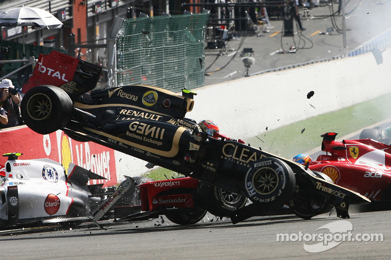 Grosjean happy to 'lose places' to avoid start crashes