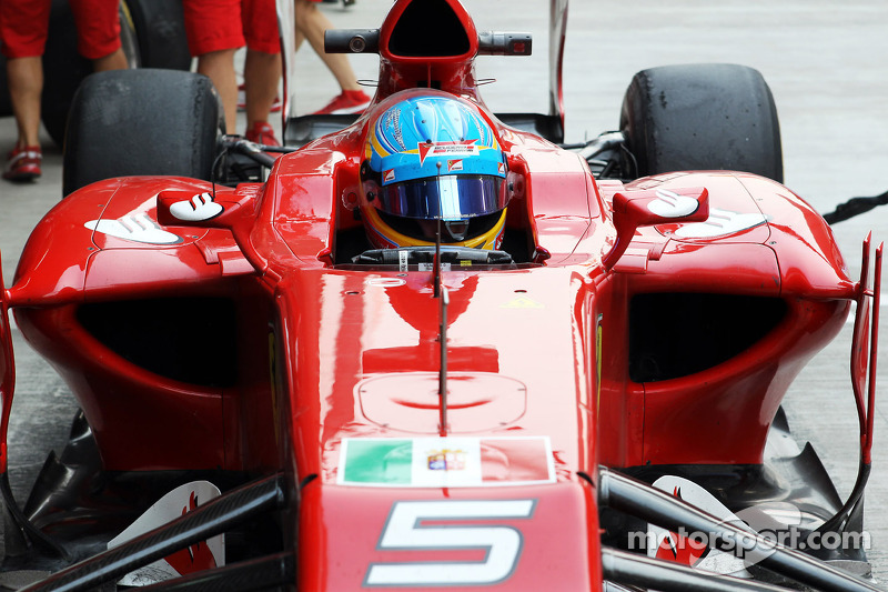 Ferrari allowed to keep navy stickers for race