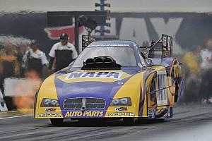 NHRA Race report Capps, Vandergriff Jr., Johnson, and Krawiec winners at Las Vegas