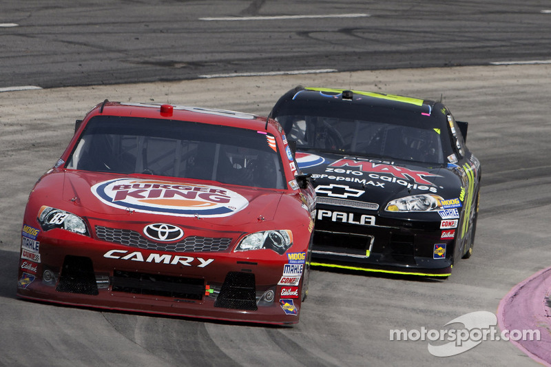 Cassill shooting for third straight top-20 on Texas 500