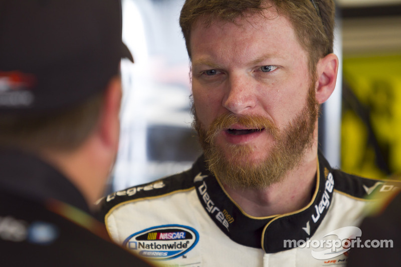 JR Motorsports signs Great Clips to 28-race deal