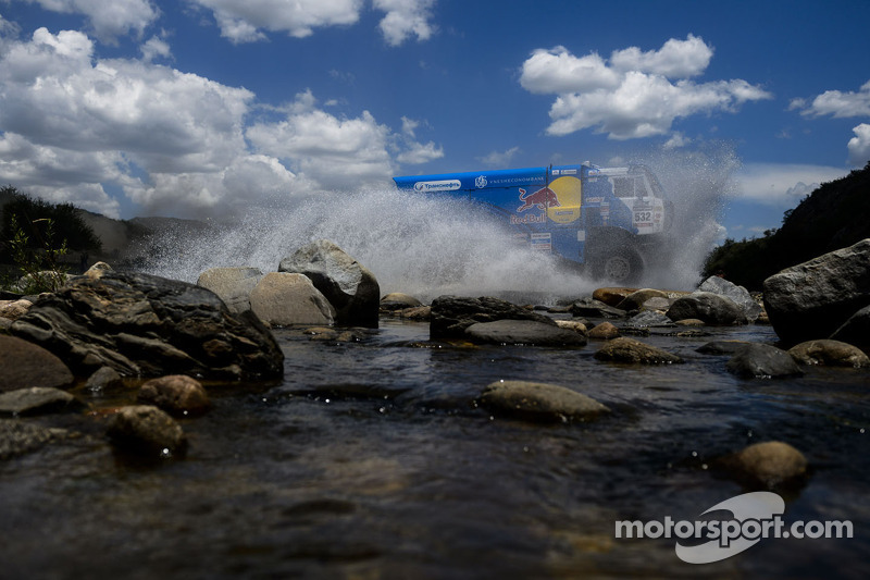 Argentina: Stage 11 - Fiambalá's heavy rain ended action early