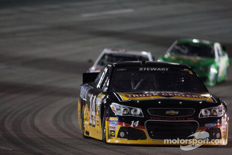 Stewart's ups and downs continue on Richmond 400