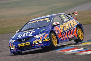 BTCC Qualifying report Jordan takes pole for second year running at Thruxton