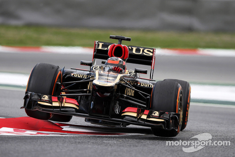 Lotus drivers are top-six on qualifying at Circuit de Catalunya