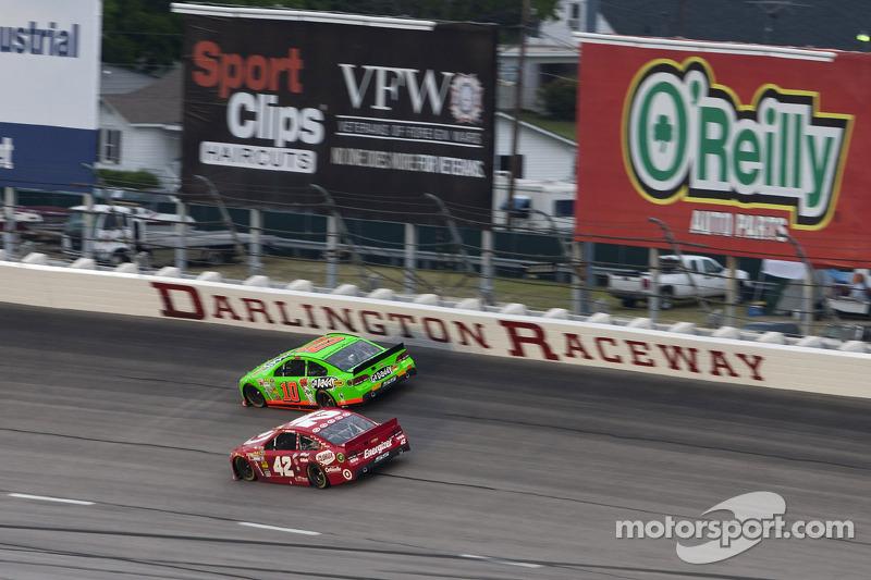 Long green flag runs cause long night for Patrick at Darlington Raceway