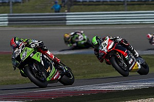 World Superbike Qualifying report Sykes clocks the new best lap at Donington Park for another Superpole