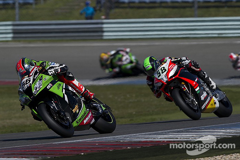 Sykes clocks the new best lap at Donington Park for another Superpole