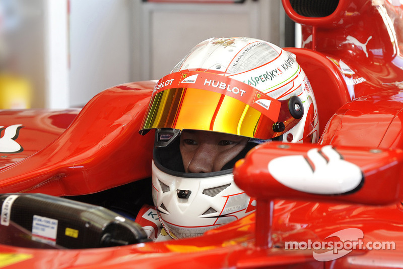 Kobayashi aiming for F1 return in 2014