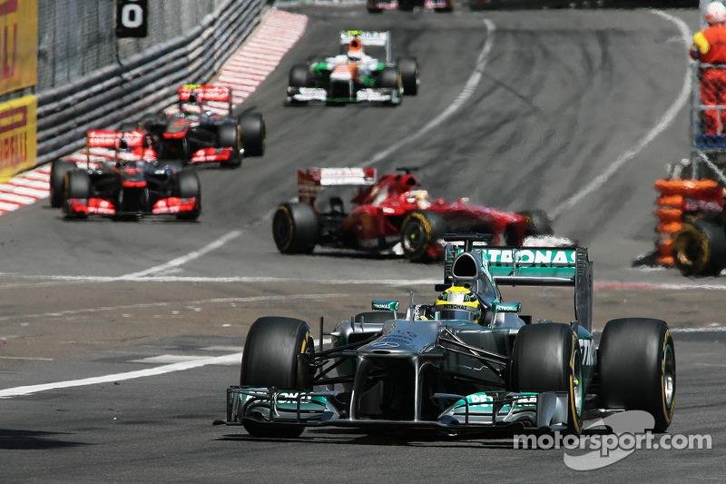 Vettel, Rosberg clash over 'tyre-gate'