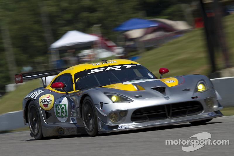 Viper GTS-R takes ALMS GT class pole at Mosport