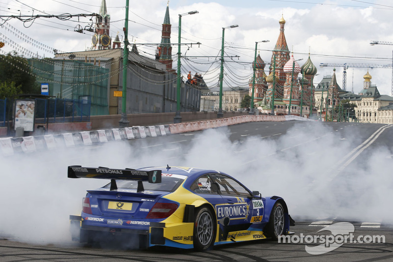 DTM stars excite Russian fans at Moscow City Racing