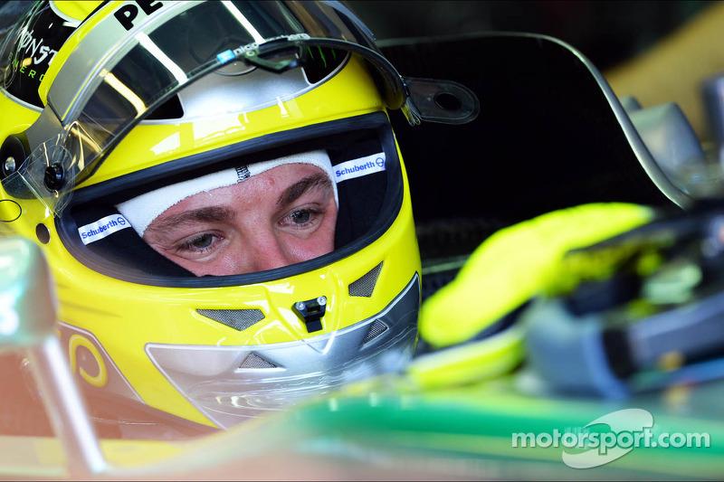 Rosberg unmoved by Schumacher jibe