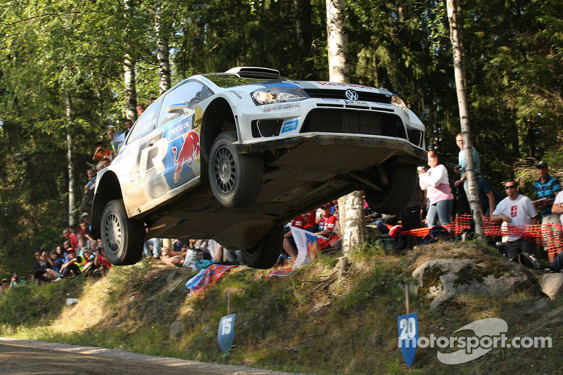 Ogier takes 38sec lead into Rally Finland finale