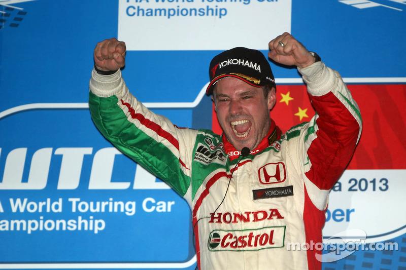 Tiago Monteiro takes brilliant victory in China