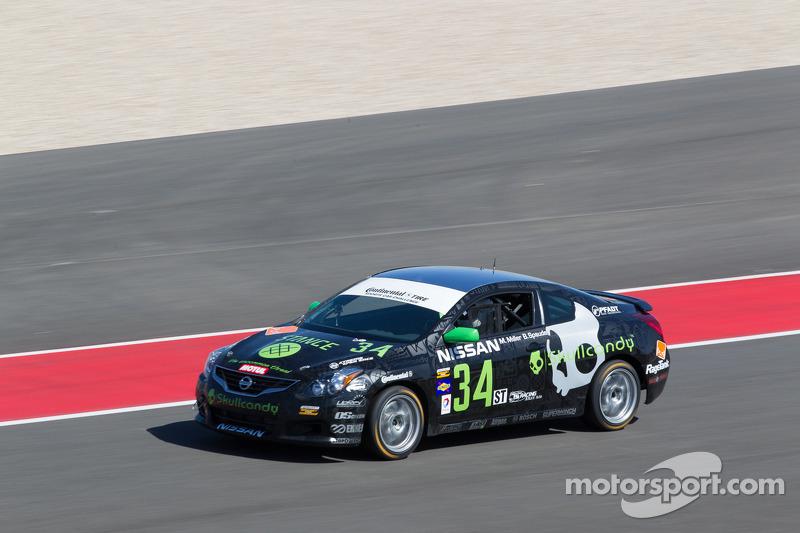 Derek Jones join Skullcandy Team Nissan
