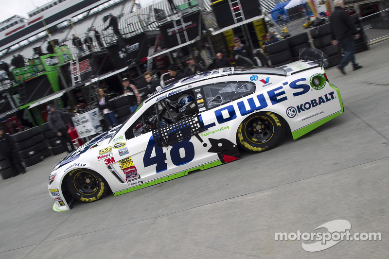 Jimmie Johnson and Jeff Gordon lead Team Chevy in qualifying at Martinsville