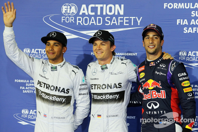 Rosberg beats Mercedes team mate, Hamilton to Bahrain GP pole