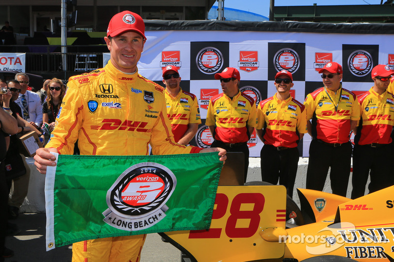 Hunter-Reay surges to IndyCar pole at Long Beach