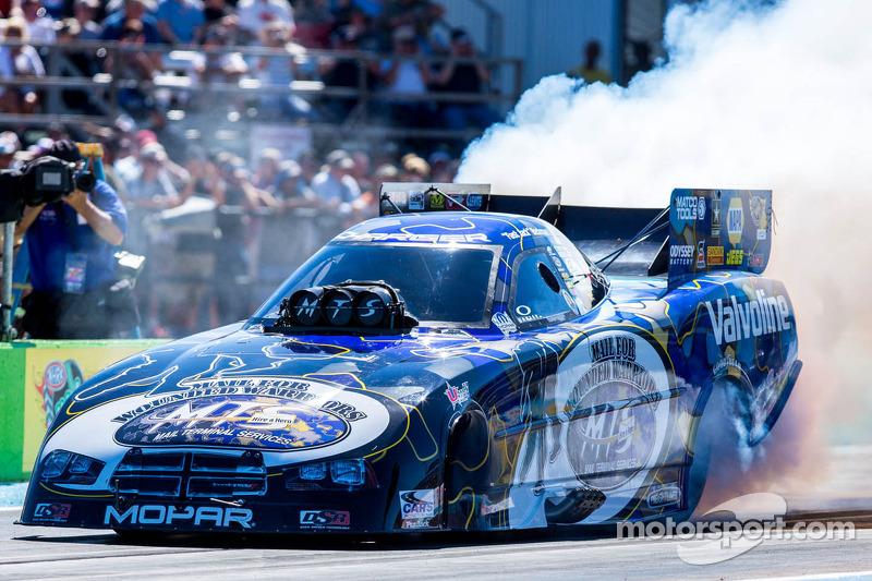Don Schumacher Racing Funny Car team gets set for Houston