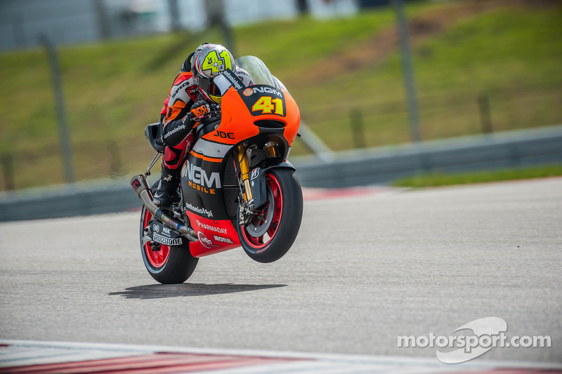 Aleix Espargaro surges forward in Friday practice at Jerez