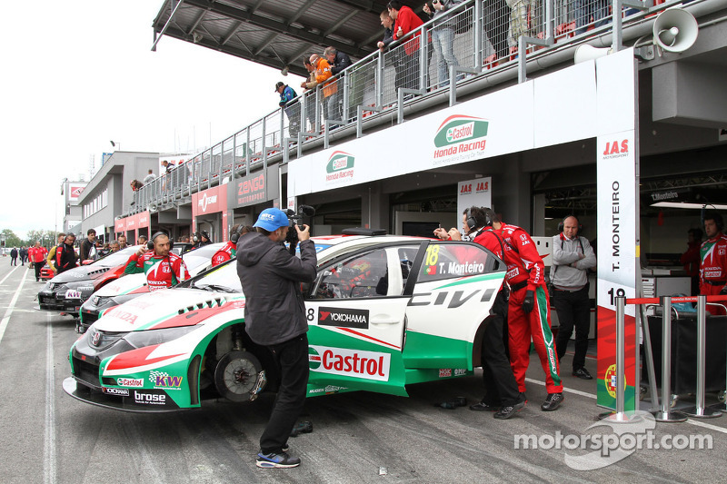 Rain storm forces cancellation of Race 2 at Slovakia Ring