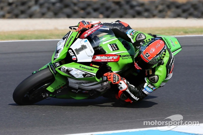 Sykes lays down the gauntlet on opening day at Donington Park